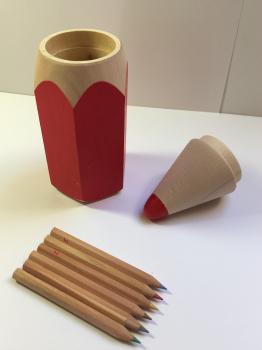 Tužka s pastelkami malá-červená